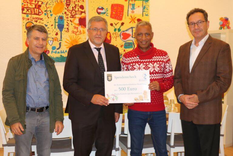 Kriminalinspektion 6 der Kriminalpolizeidirektion Heidelberg spendet Einnahmenüberschuss aus Kripogrillfest für gute Zwecke