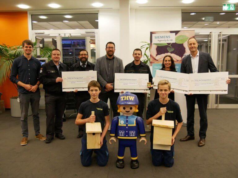 """Honig von """"Siemens-Bienen"""" ermöglicht Spende an gemeinnützige Einrichtungen"""