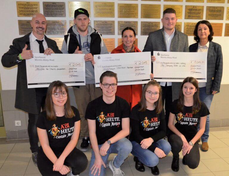 Spendenübergabe des Abiturjahrgangs 2019 Lessing Gymnasium Lampertheim