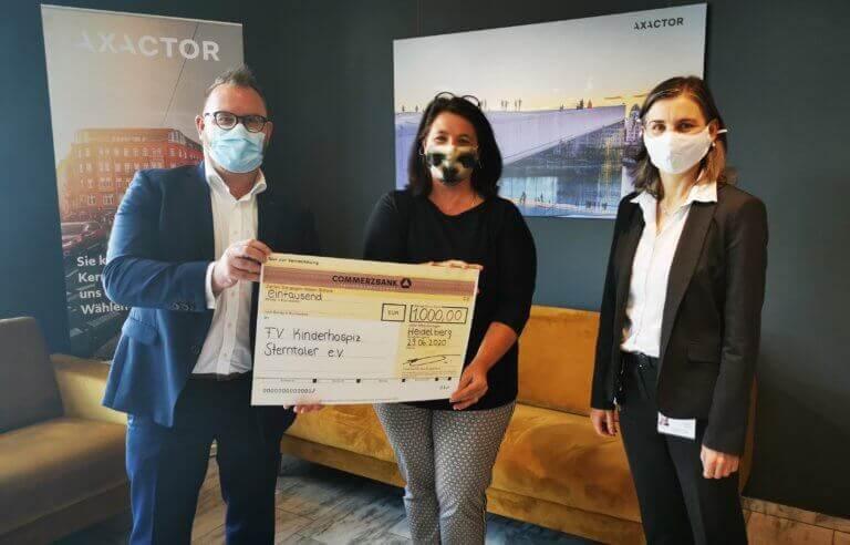 Mitarbeitende der Axactor Germany spenden für das Kinderhospiz Sterntaler