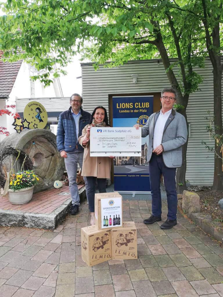 Große Spende der 9 Lions Clubs der Zone Südpfalz an Sterntaler