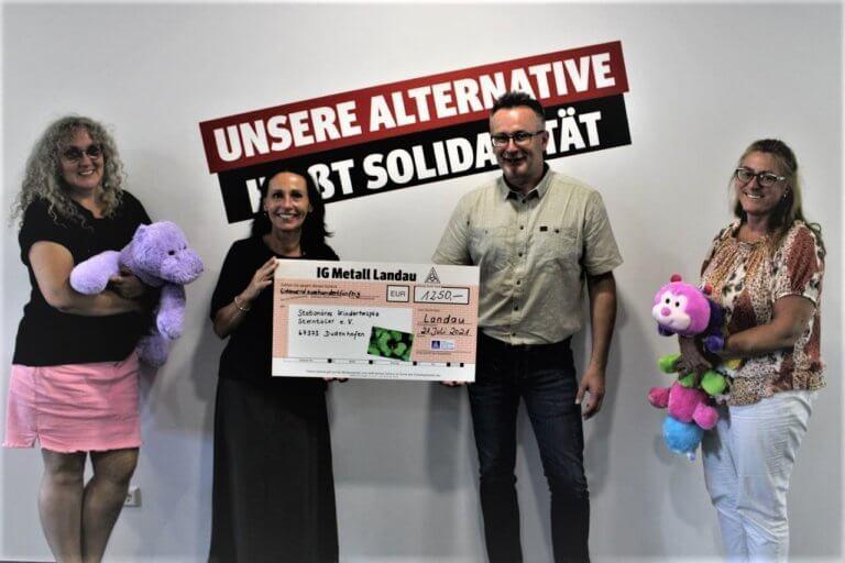 Spendenübergabe der IG Metall Landau an Kinderhospiz Sterntaler