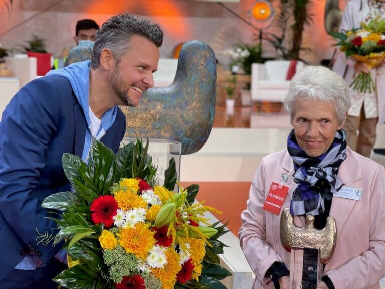 Ehrenpreis an Sterntaler-Familienbegleiterin Evi Muy